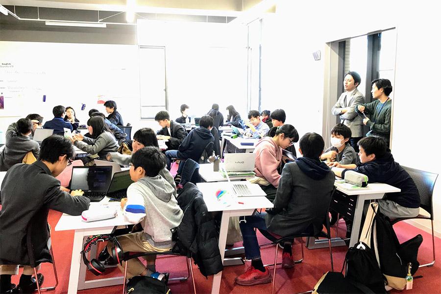 学校の授業時間 撮影:ドルトン東京学園